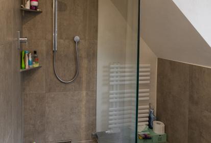 Die Dusche Unter Der Dachschräge